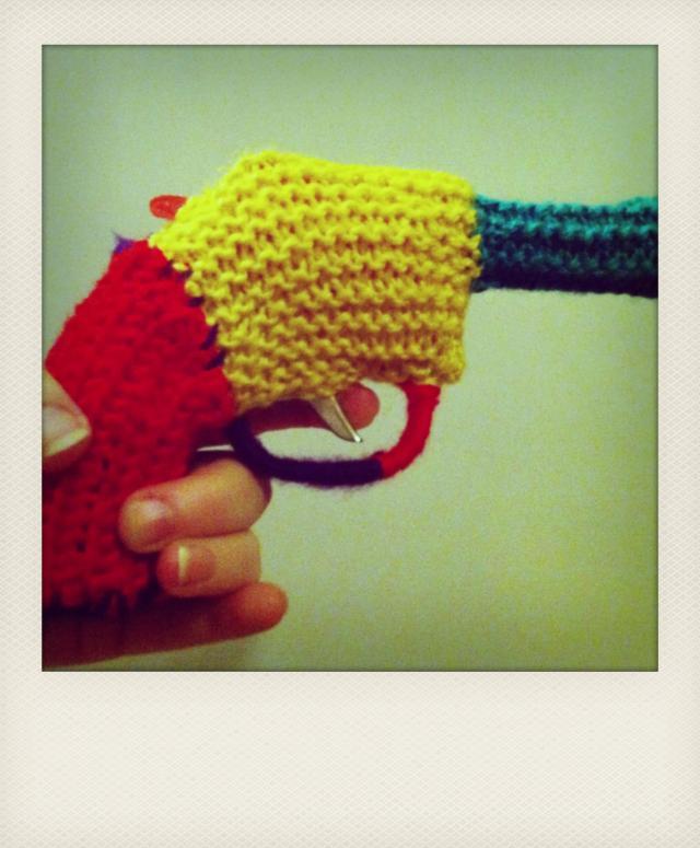 yarn toy gun