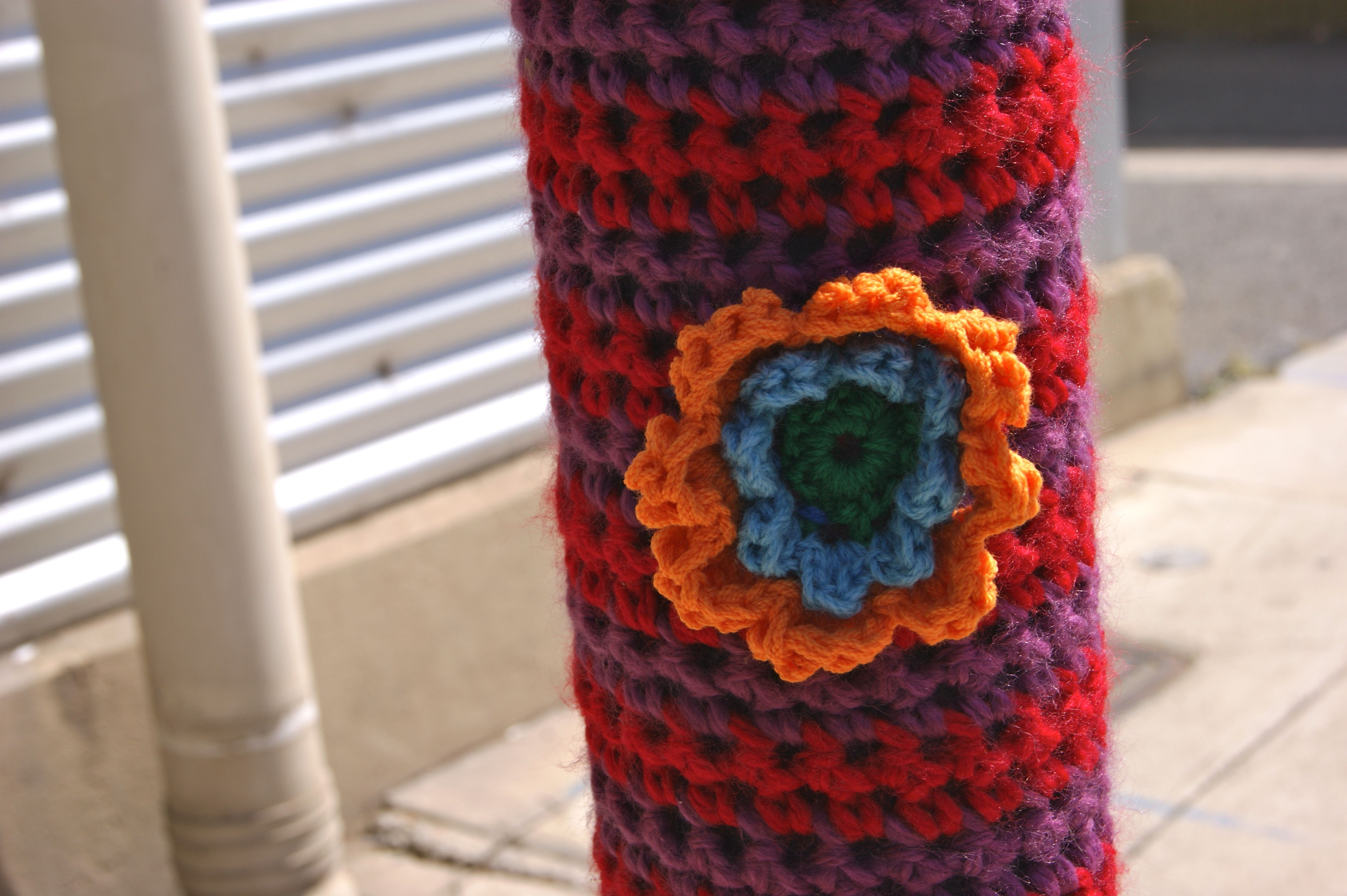knitted YARN BOMBING