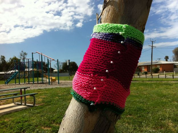 yarn bombing tree park