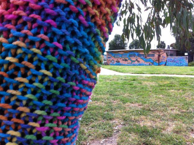 yarn bombing graffitti