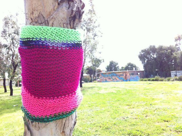 yarn bombing tree 2