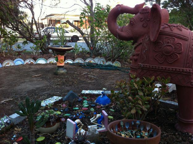 yarn bomb birdbath elephant garden 4