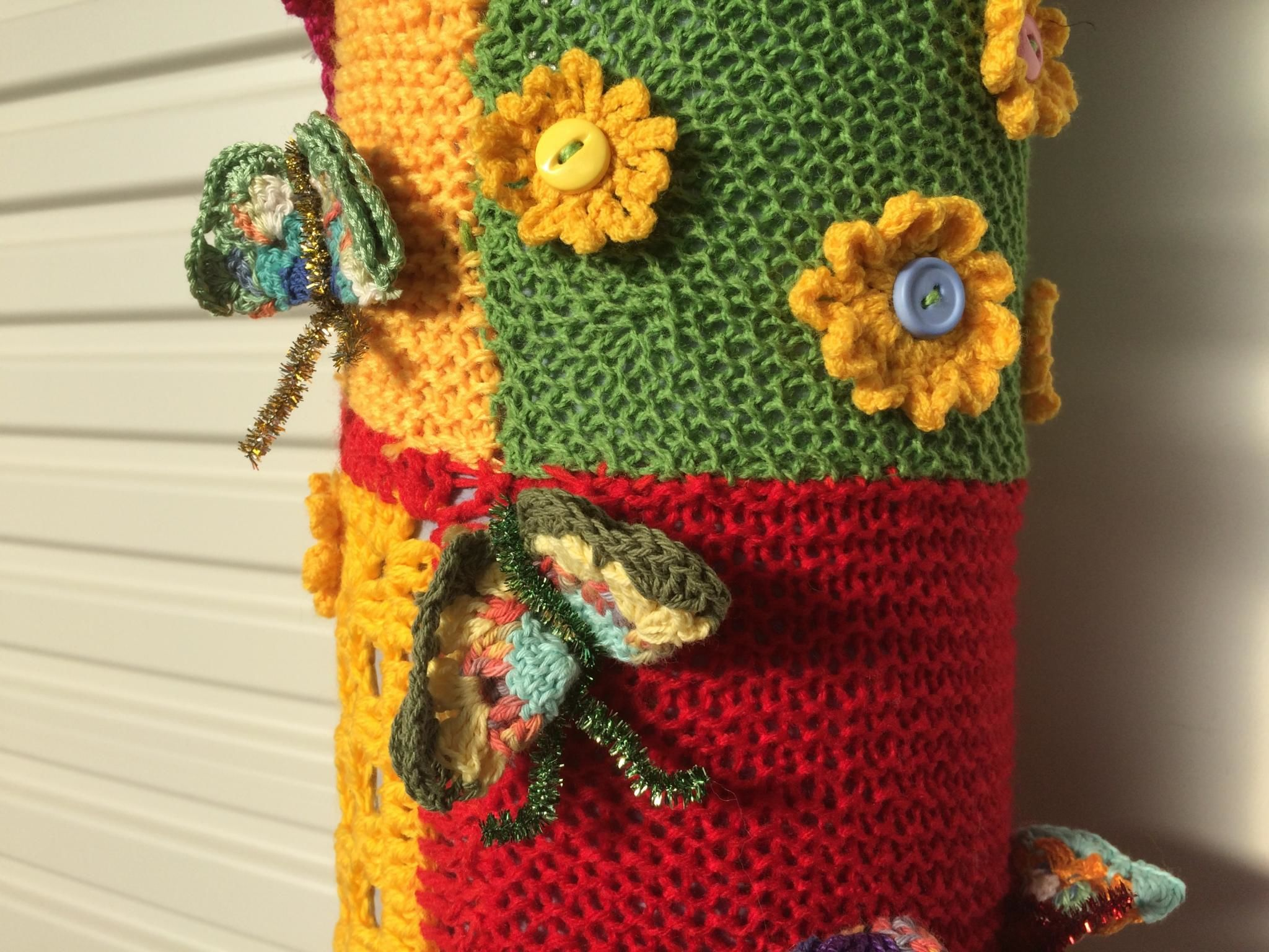 Crochet Patterns For Yarn Bombing : YARN BOMBING AT THE BRUNY ISLAND HEALTH CENTRE YARN BOMBING